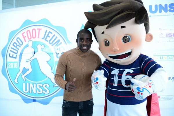 "Rio Mavuba and Super Victor during the UNSS ""Euro Foot Jeunes"" 2016 Draw Ceremony at Louvre Lens on March 29, 2016 in Lens, France. Photo : Dave Winter / Icon Sport"